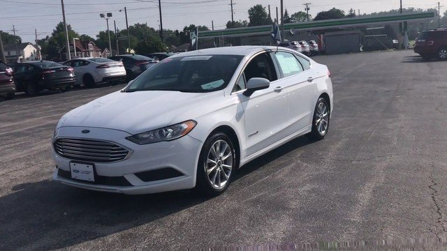 2017 Oxford White Ford Fusion Hybrid SE 2.0L 4-Cyl Engine Automatic Sedan FWD 4 Door
