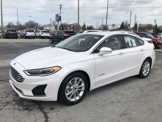 2019 White Platinum Metallic Tri-Coat Ford Fusion Hybrid SEL Automatic Sedan 4 Door FWD