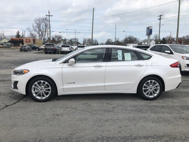 2019 White Platinum Metallic Tri-Coat Ford Fusion Hybrid SEL 4 Door FWD Automatic Sedan