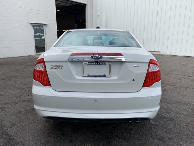 2012 White Ford Fusion SEL Automatic Sedan FWD 2.5L 4-Cylinder Engine 4 Door