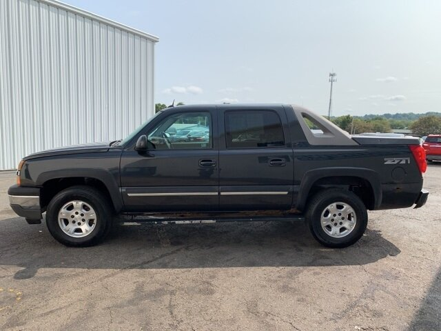 2005 Chevrolet Avalanche Z71 4X4 5.3L 8-Cylinder Engine 4 Door Automatic Truck