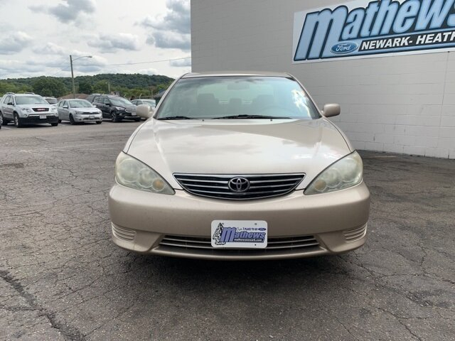 2005 GOLD Toyota Camry 4dr Sdn 4 Door Sedan 2.4L 4-Cylinder Engine FWD