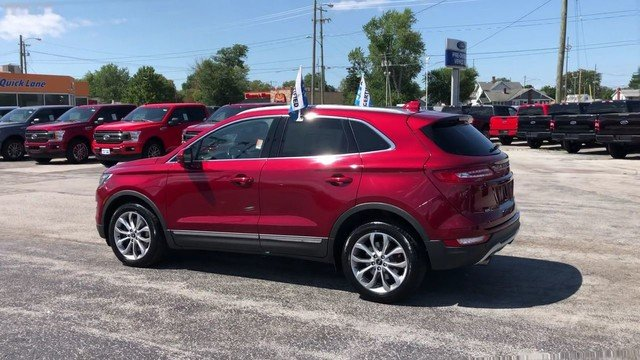 2017 Ruby Red Metallic Tinted Clearcoat Lincoln MKC Select 2.0L 4-Cyl Engine AWD 4 Door