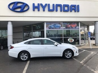 2021 Quartz White Hyundai Sonata SE FWD 2.5L I4 Engine 4 Door Automatic