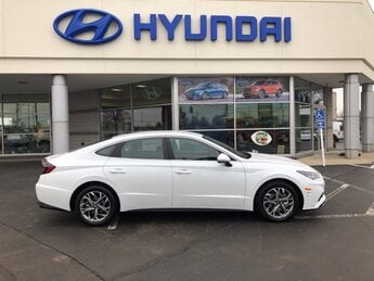 2021 Quartz White Hyundai Sonata SEL Automatic 4 Door 2.5L I4 Engine Car FWD