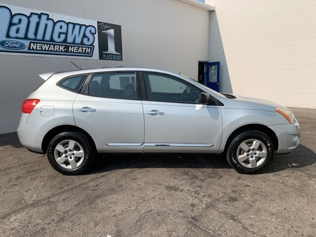 2011 Brilliant Silver Nissan Rogue S 4 Door SUV AWD Automatic 2.5L 4-Cylinder Engine