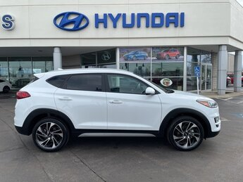 2021 White Cream Hyundai Tucson Sport 2.4L I4 DGI DOHC 16V Engine 4 Door AWD SUV