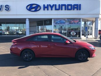 2021 Scarlet Red Pearl Hyundai Elantra SEL Car 4 Door FWD Automatic