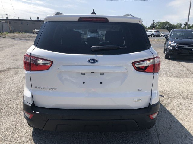 2019 White Platinum Metallic Tri-Coat Ford EcoSport SE SUV FWD 4 Door
