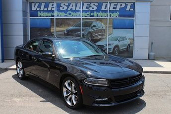 2016 Dodge Charger Road/Track 4 Door RWD Sedan Automatic HEMI 5.7L V8 Multi Displacement VVT Engine