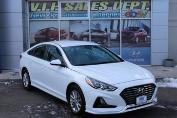 2018 Quartz White Pearl Hyundai Sonata SE 4 Door Automatic FWD 2.4L 4-Cylinder DGI DOHC Engine Sedan
