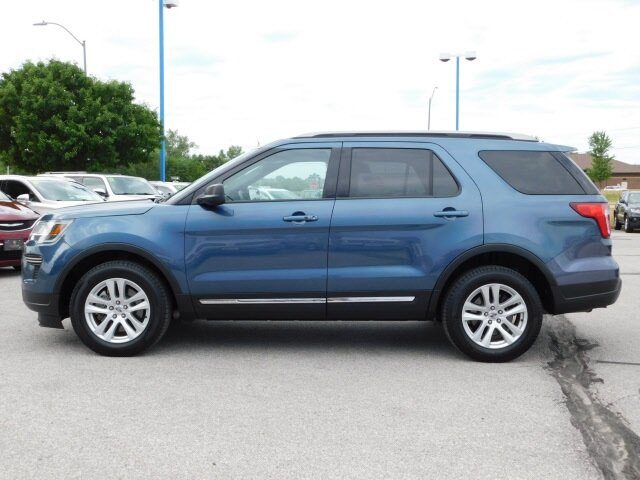 2019 Blue Metallic Ford Explorer XLT 4X4 Automatic 3.5L V6 Ti-VCT Engine SUV 4 Door
