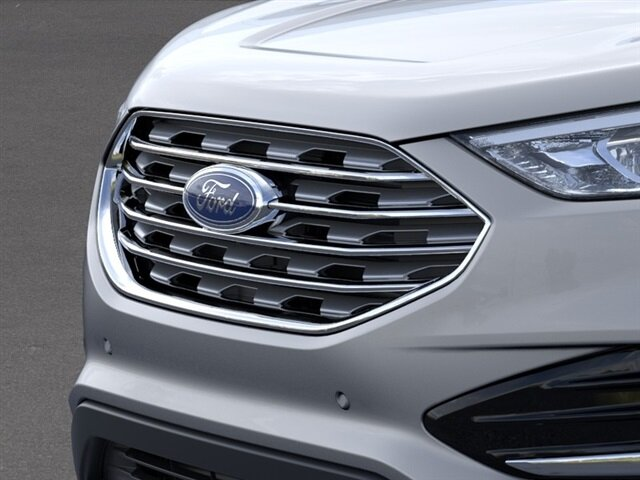 2021 Iconic Silver Metallic Ford Edge Titanium 4 Door SUV AWD Automatic