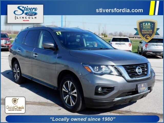 2017 Gun Metallic Nissan Pathfinder SL V6 Engine Automatic (CVT) 4 Door SUV 4X4