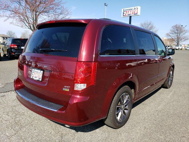 2017 Dodge Grand Caravan SXT 4 Door Regular Unleaded V-6 3.6 L/220 Engine FWD