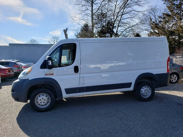2017 Bright White Clearcoat Ram ProMaster Cargo Van Low Roof FWD 3 Door Van Automatic