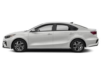 2019 Clear White Kia Forte FE Sedan Regular Unleaded I-4 2.0 L/122 Engine 4 Door