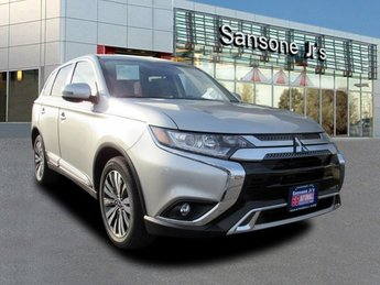 2019 Mitsubishi Outlander SE Automatic (CVT) Regular Unleaded I-4 2.4 L/144 Engine 4 Door SUV FWD