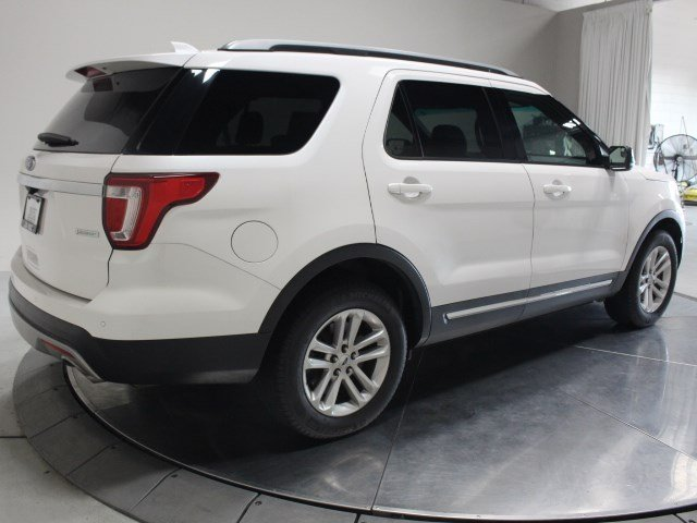 2017 Ford Explorer XLT SUV FWD 4 Door Automatic