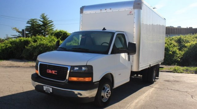 2019 GMC Savana Commercial Cutaway Work Van Gas V8 6.0L/364 Engine RWD 2 Door Specialty Vehicle Cutaway Automatic