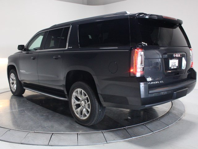 2020 GMC Yukon XL SLE 4X4 Automatic Gas V8 5.3L/325 Engine 4 Door SUV
