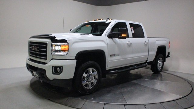 2018 Summit White GMC Sierra 2500HD SLT 4 Door Truck Turbocharged Diesel V8 6.6L/403 Engine 4X4 Automatic