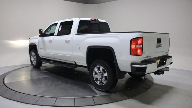 2018 GMC Sierra 2500HD SLT 4 Door Turbocharged Diesel V8 6.6L/403 Engine 4X4 Truck