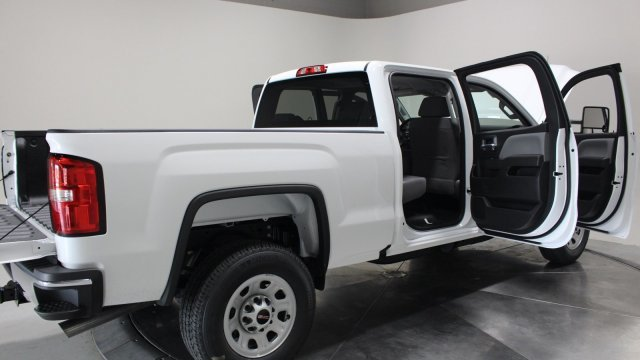 2019 Summit White GMC Sierra 3500HD Base Automatic 4X4 4 Door