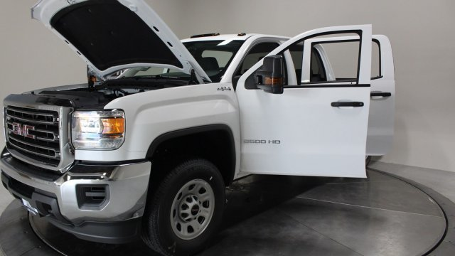 2019 Summit White GMC Sierra 3500HD Base Truck 4 Door Automatic 4X4 Gas/Ethanol V8 6.0L/366 Engine
