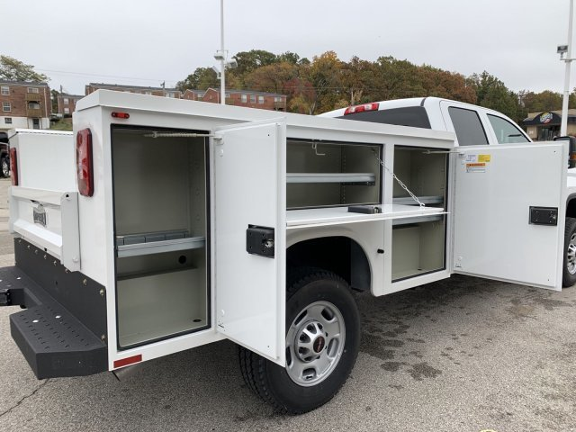 2019 Summit White GMC Sierra 2500HD Base Truck 4X4 4 Door Gas/Ethanol V8 6.0L/366 Engine Automatic