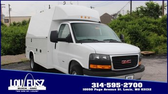 2019 Summit White GMC Savana Commercial Cutaway Work Van Gas V8 6.0L/364 Engine 2 Door Car